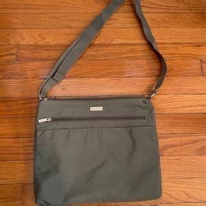 Women's Baggallini purse